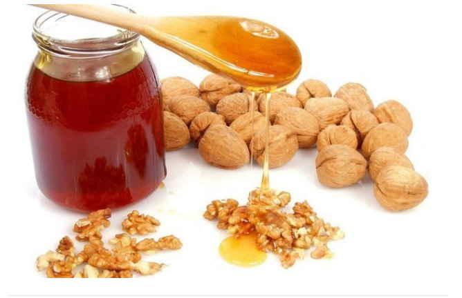 Ореховый доктор: орех и мед печень спасет