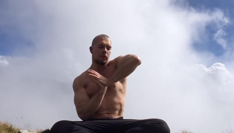 Гормональная гимнастика для всего тела: не пробуй — начинай прямо сейчас! Эффект просто поразительный.