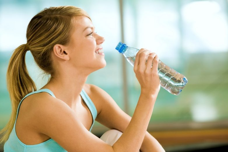 Почему нужно заменить все напитки водой