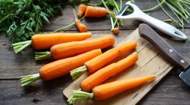 10 продуктов, которые очищают и отбеливают зубы