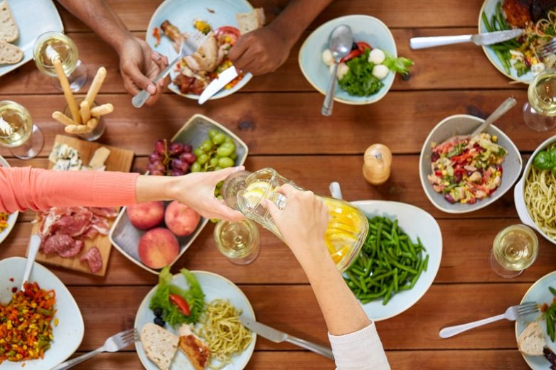 Можно ли употреблять воду во время еды