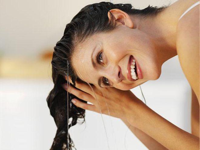 13 гениальных способов придать волосам дополнительный объем