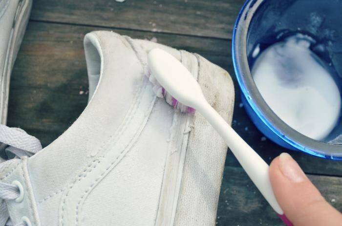 6 бюджетных средств по уходу за одеждой и обувью