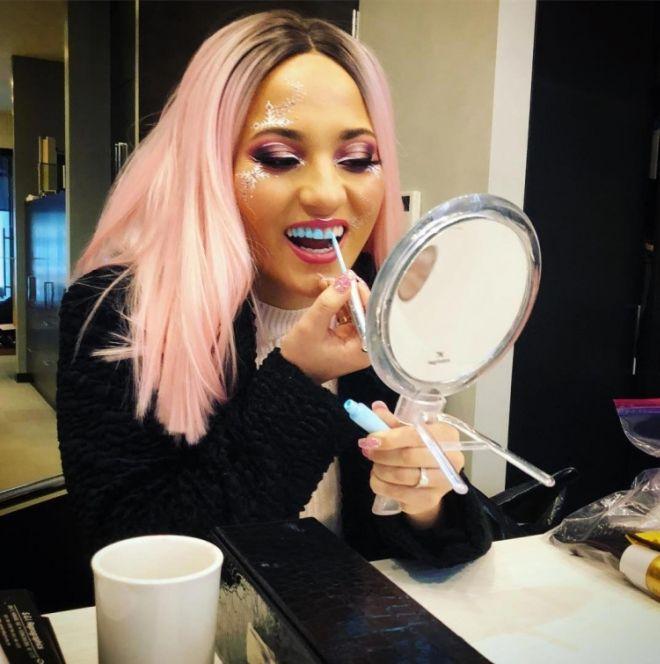 Макияж для зубов — новый бьюти-тренд, который не понравится дантистам