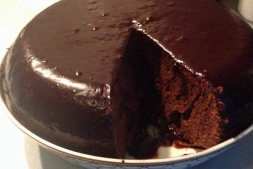 Пирог с божественным шоколадным вкусом.