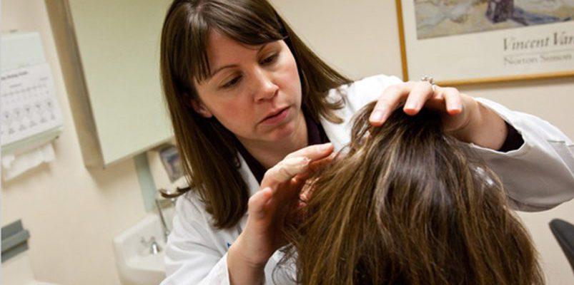Для всех, кто хочет блестящие и здоровые волосы. 3 простых хитрости при мытье головы от специалиста