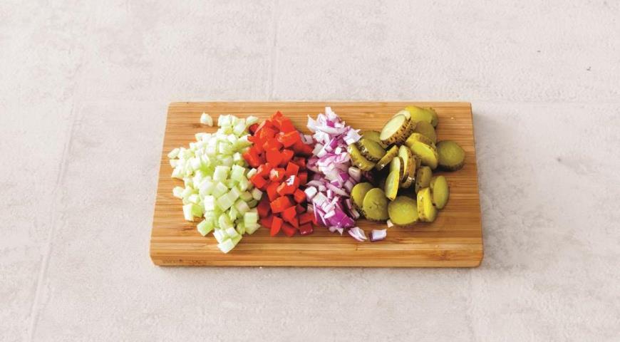 Салат с мясным ассорти