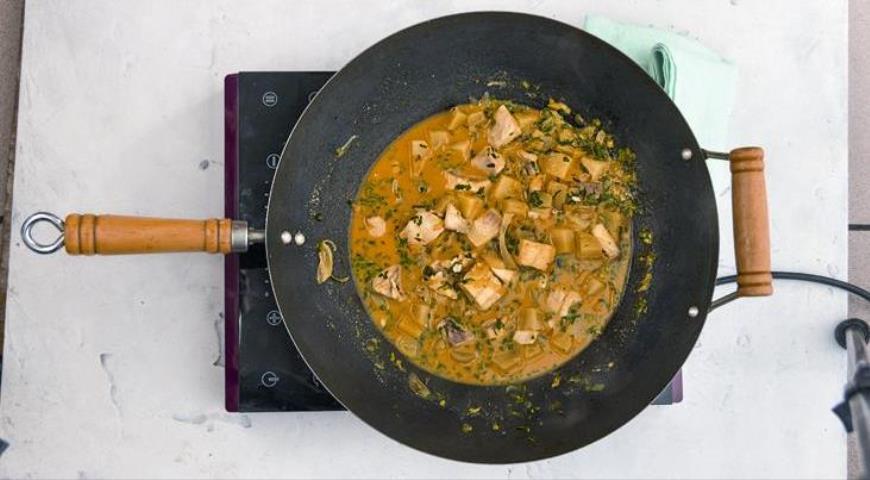 Рыбное карри с картофелем по-тайски