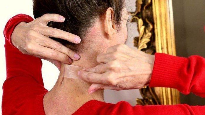 Золотые правила ухода за кожей шеи и декольте, которые позволят выглядеть гораздо моложе