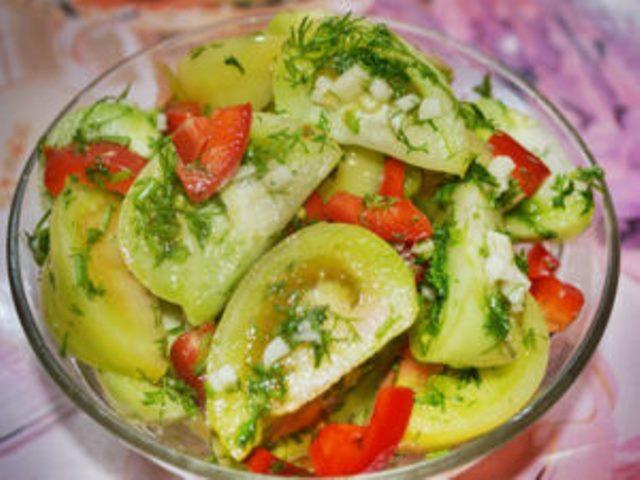 Маринованные зеленые помидоры… ммм… объеденье просто. Очень советую приготовить!
