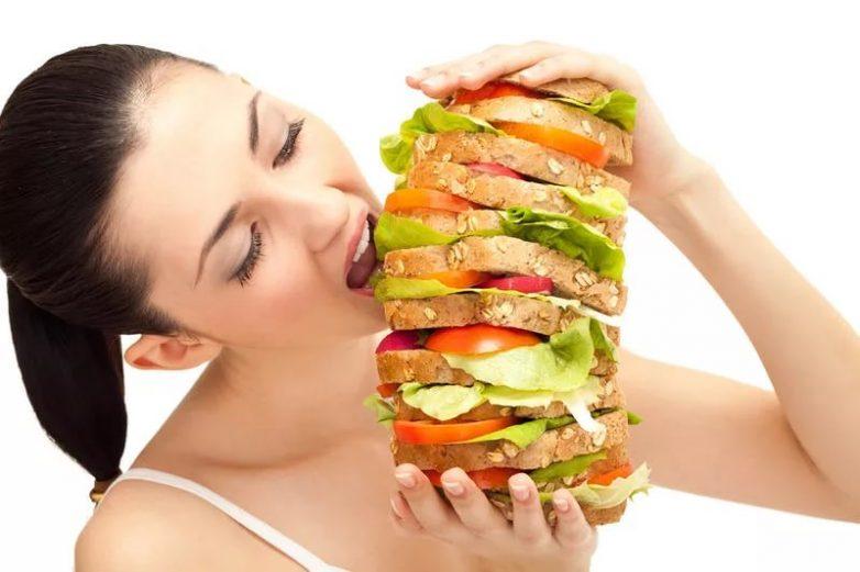 Хитрости, которые помогут снизить аппетит и не съесть лишнего