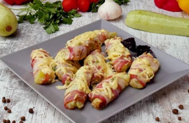 Эти кабачки в беконе, с чесноком и сыром получаются настолько вкусными, что улетают со стола первыми!