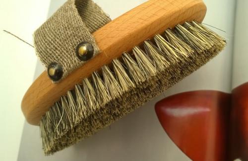 Щетка от целлюлита. Как делать массаж тела сухой щеткой самостоятельно