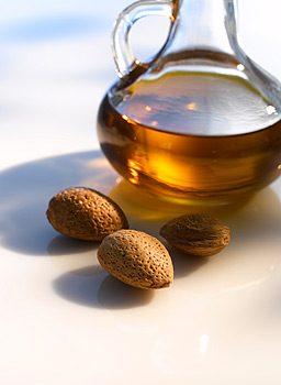 Миндальное масло для красоты и здоровья
