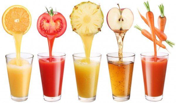 В чем польза и вред свежевыжатых соков