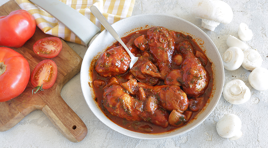 Курица с грибами на сковороде. 9 вариантов приготовления этого сытного блюда. Плюс лайфхак про грибы